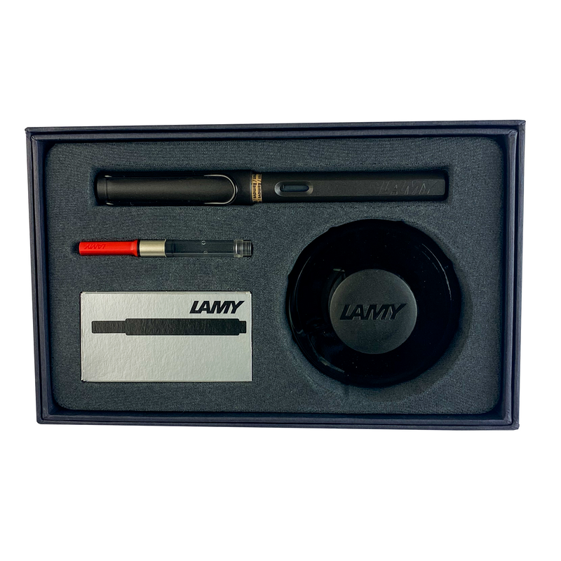 Lamy, Gift Set! Safari Fountain Pen in Charcoal