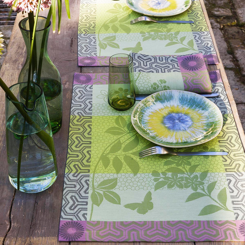 Le Jacquard Francais, Asia Mood in Almond, Table Runner