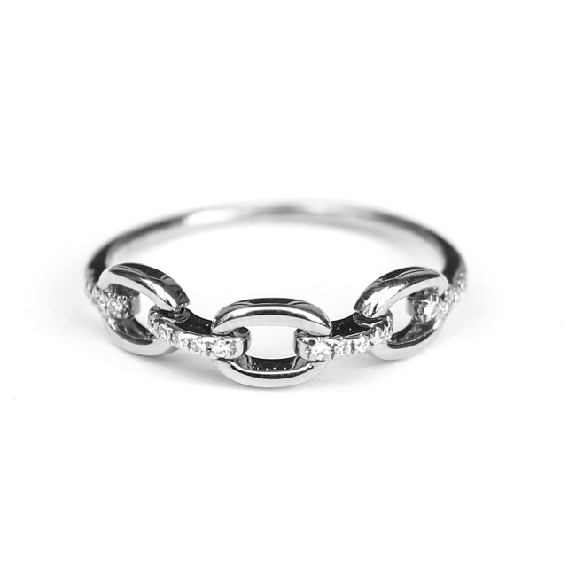 Movable Three Chain Diamond Link Ring