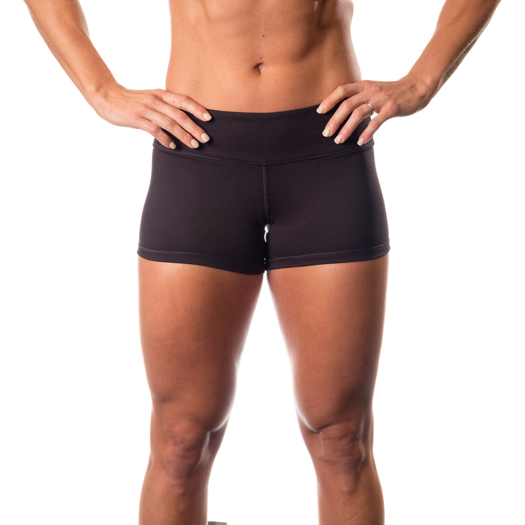 Essential STrong Shorts Black - Image 01