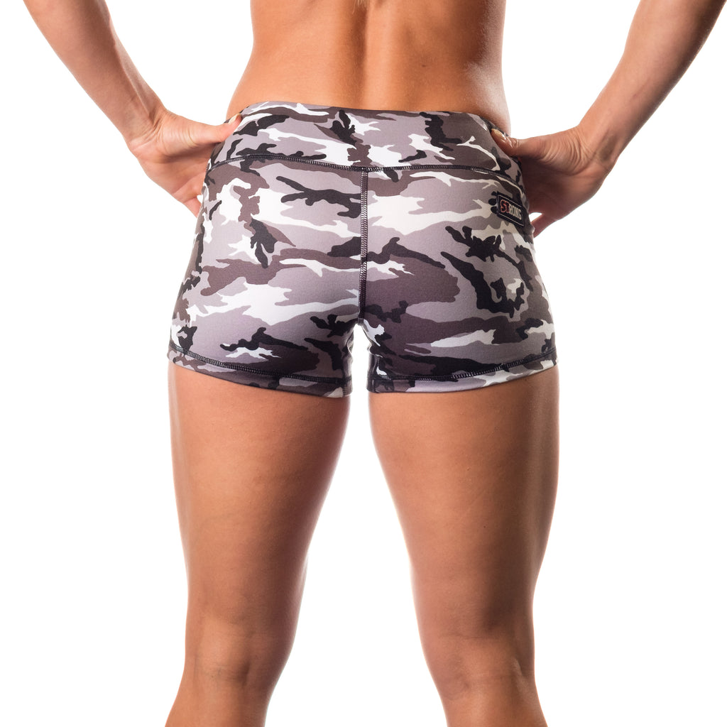 Essential STrong Shorts Grey Camo - Image 03