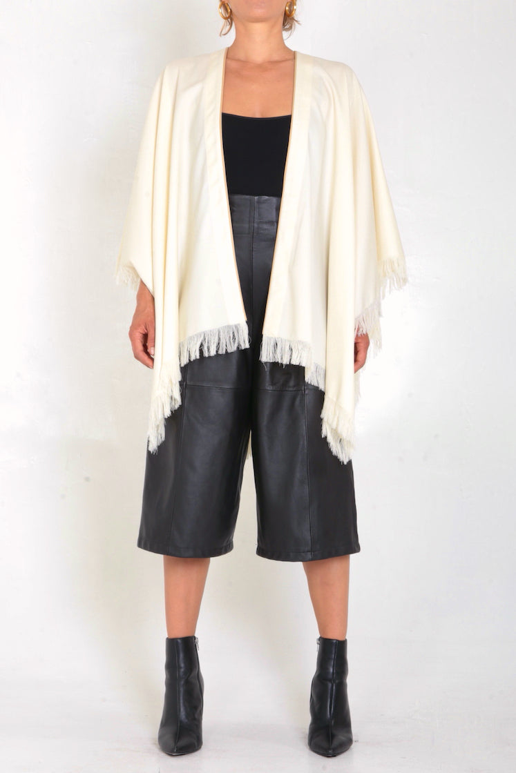 Fringed Wool Alejandra