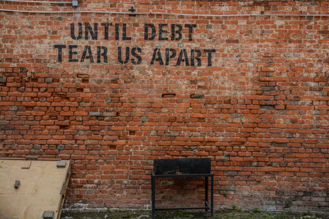 Mi Legasi Until Debt will tear you apart