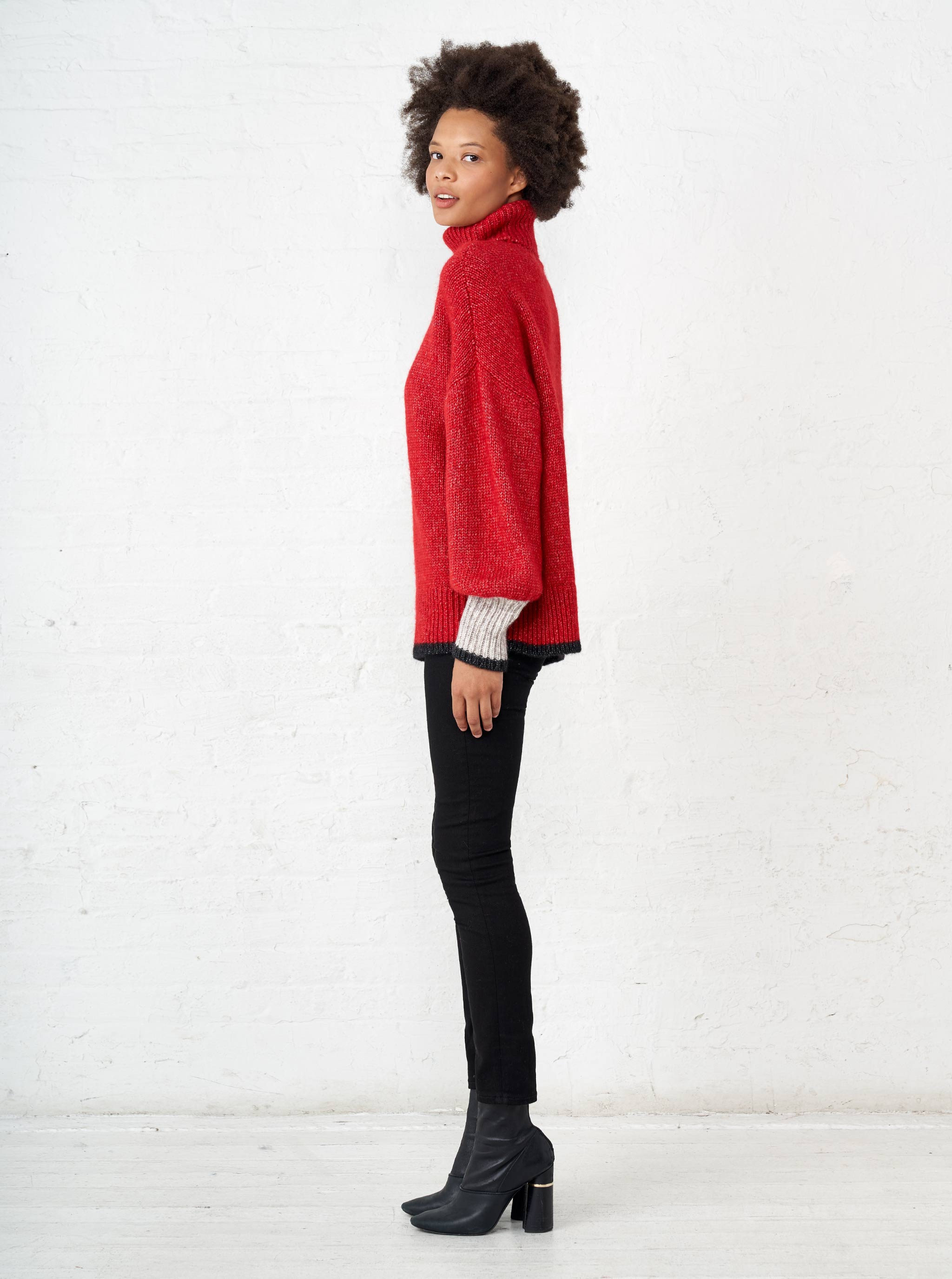 Big Red Turtleneck - La Ligne