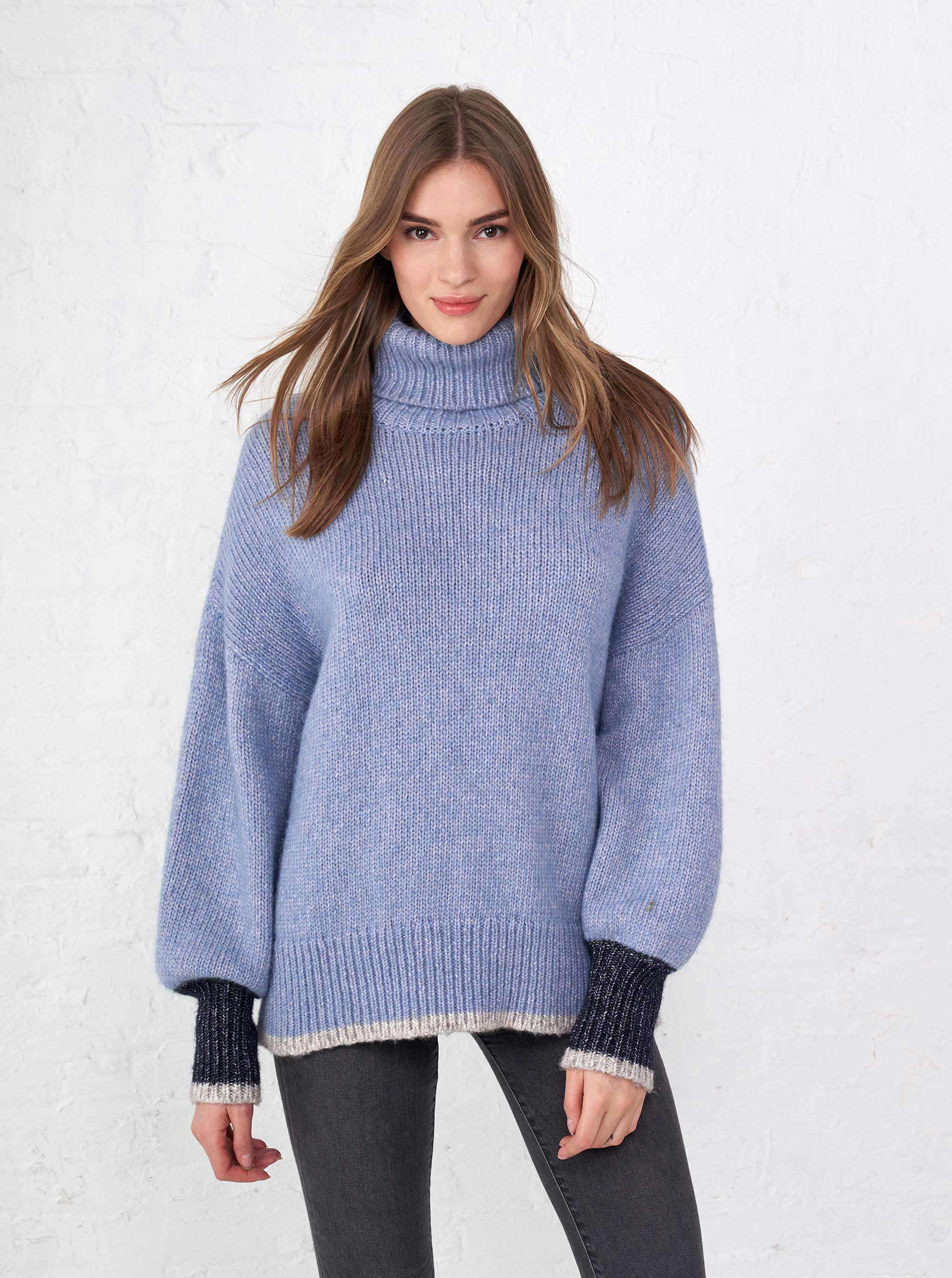 Big Blue Turtleneck - La Ligne