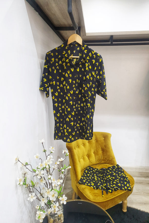Kelly Shirt & Shorts Set - Black & Yellow Heart Print