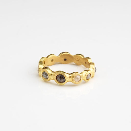 Barnacle Ring - 18k yellow gold and grey diamond