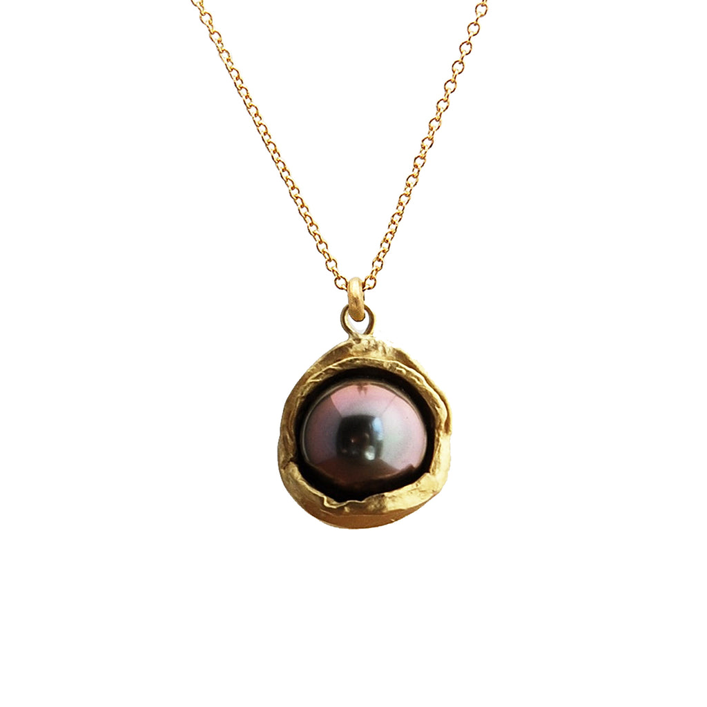 18k Gold Water Droplet Pendant With Tahitian Pearl