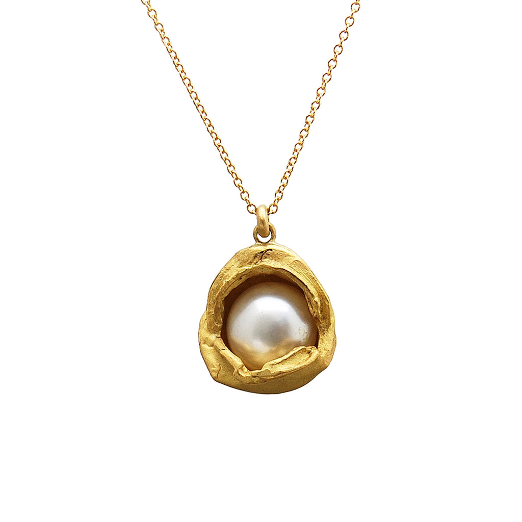 18k Gold Water Droplet Pendant With White Pearl