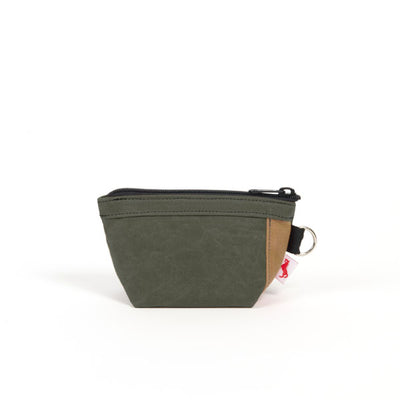 Waxed Canvas Bebe Traveler Bag