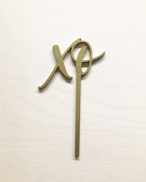 "Wood ""xo"" Cake Topper"