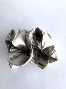 Silk Scrunchie - Silver Fox
