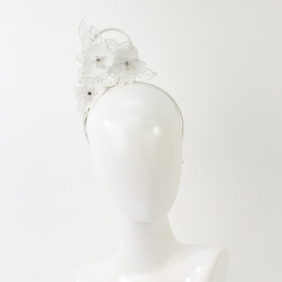 Jendi  side flower fascinator - White