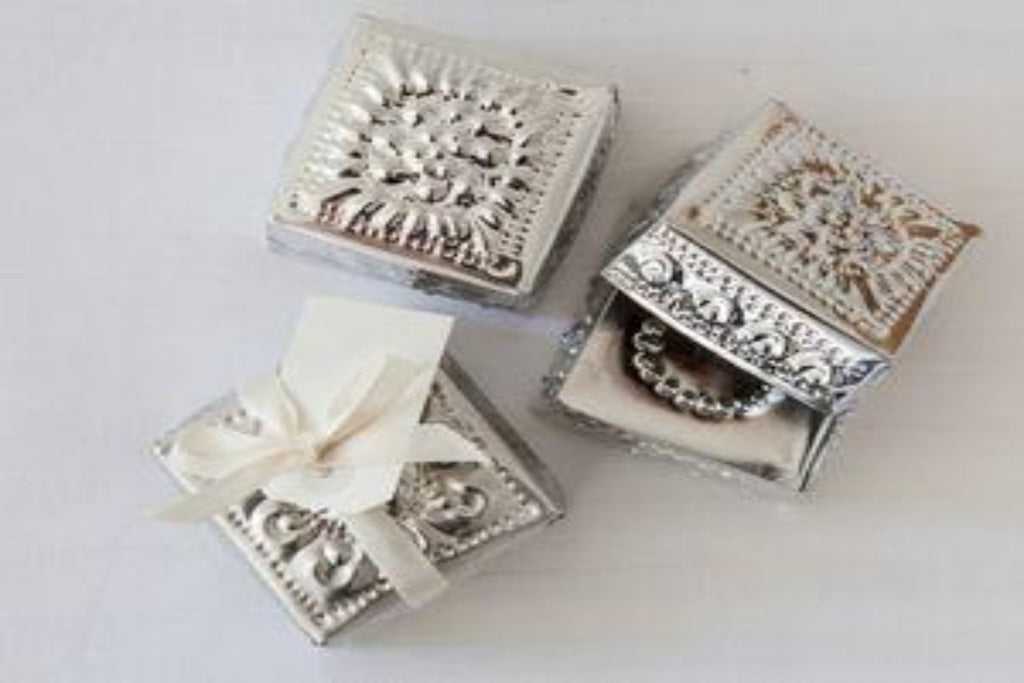 balinese teeny gift box