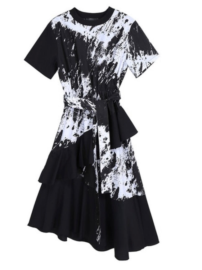 Black and White Strokes Tiered Midi Dress