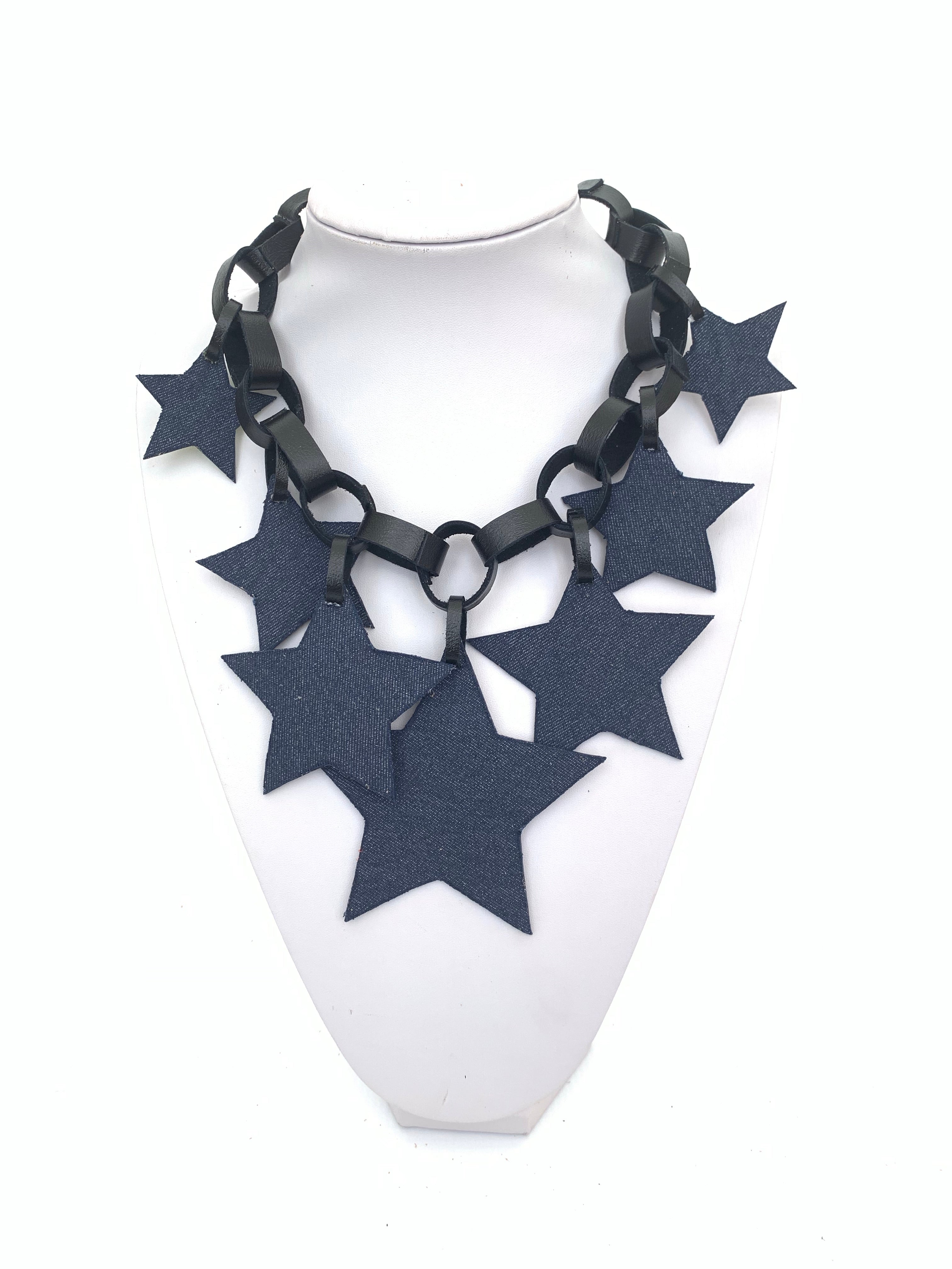 Arlenne Díaz Leather Necklaces
