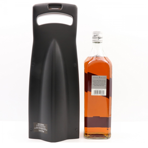 JOHNNIE WALKER 12 YEAR OLD BLACK LABEL TO CELEBRATE PARTNERSHIP WITH MCLAREN F1 1L