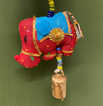 Load image into Gallery viewer, Hanging Garland Elephants