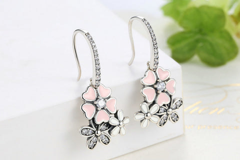 DAINTY DAISY EARRINGS - B ANN'S BOUTIQUE