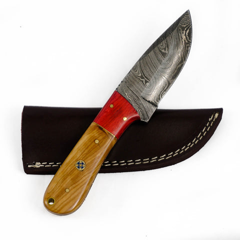 Skinning Knife/ Hunting Knife- High Carbon Damascus Steel Blade