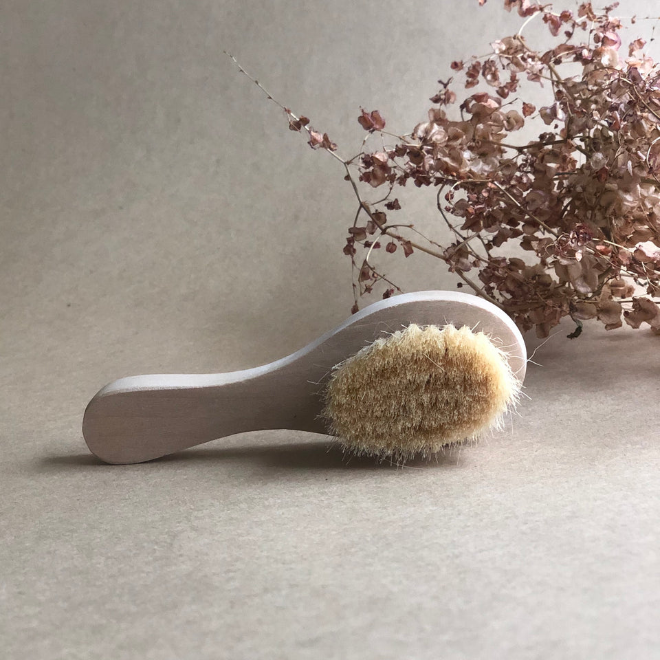 WOODEN DOLL'S HAIR BRUSH ~ OLLI ELLA