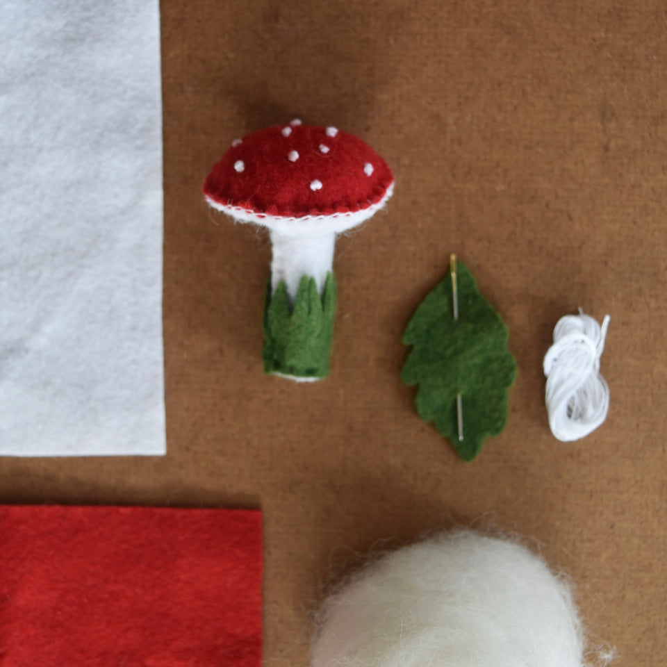 FREE DOWNLOAD ~TOADSTOOL PATTERN & INSTRUCTIONS