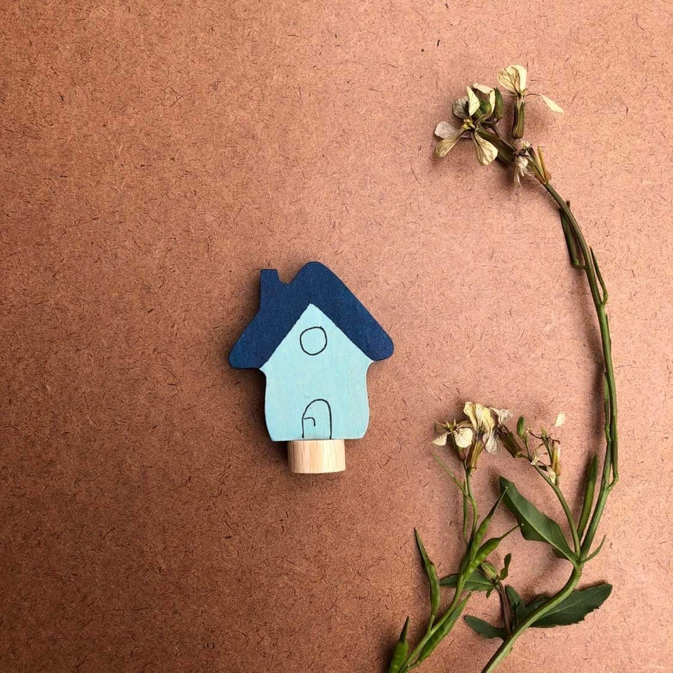 LITTLE HOUSE .CELEBRATION RING DECORATION ~ GRIMMS