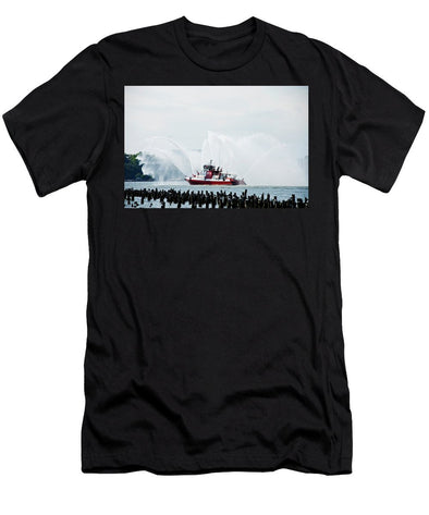 Water Boat - Men's T-Shirt (Athletic Fit)