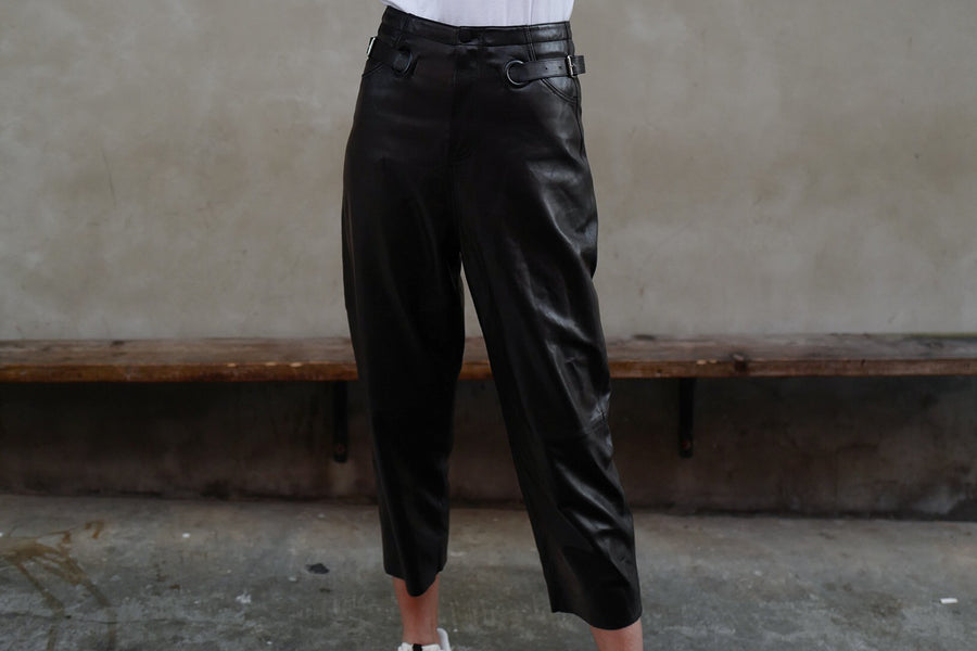 BLACK 100% LAMB SKIN TAPERED LEATHER PANTS *BEST BUY*