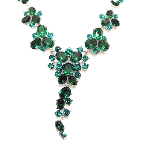 Necklace with glittering Swarovski Crystal