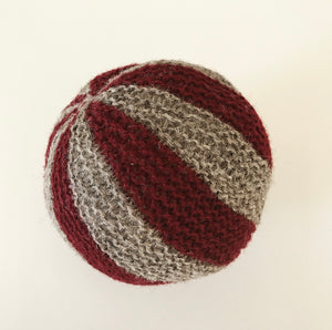 Handknitted ball
