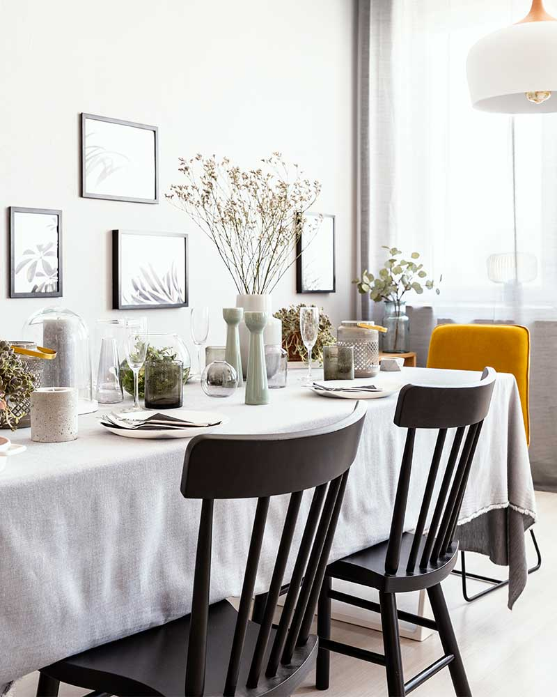 How High to Hang Pictures in a Dining Room