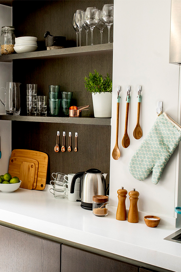 How to De-Clutter Your Home - Kitchen De-Cluttering Tips