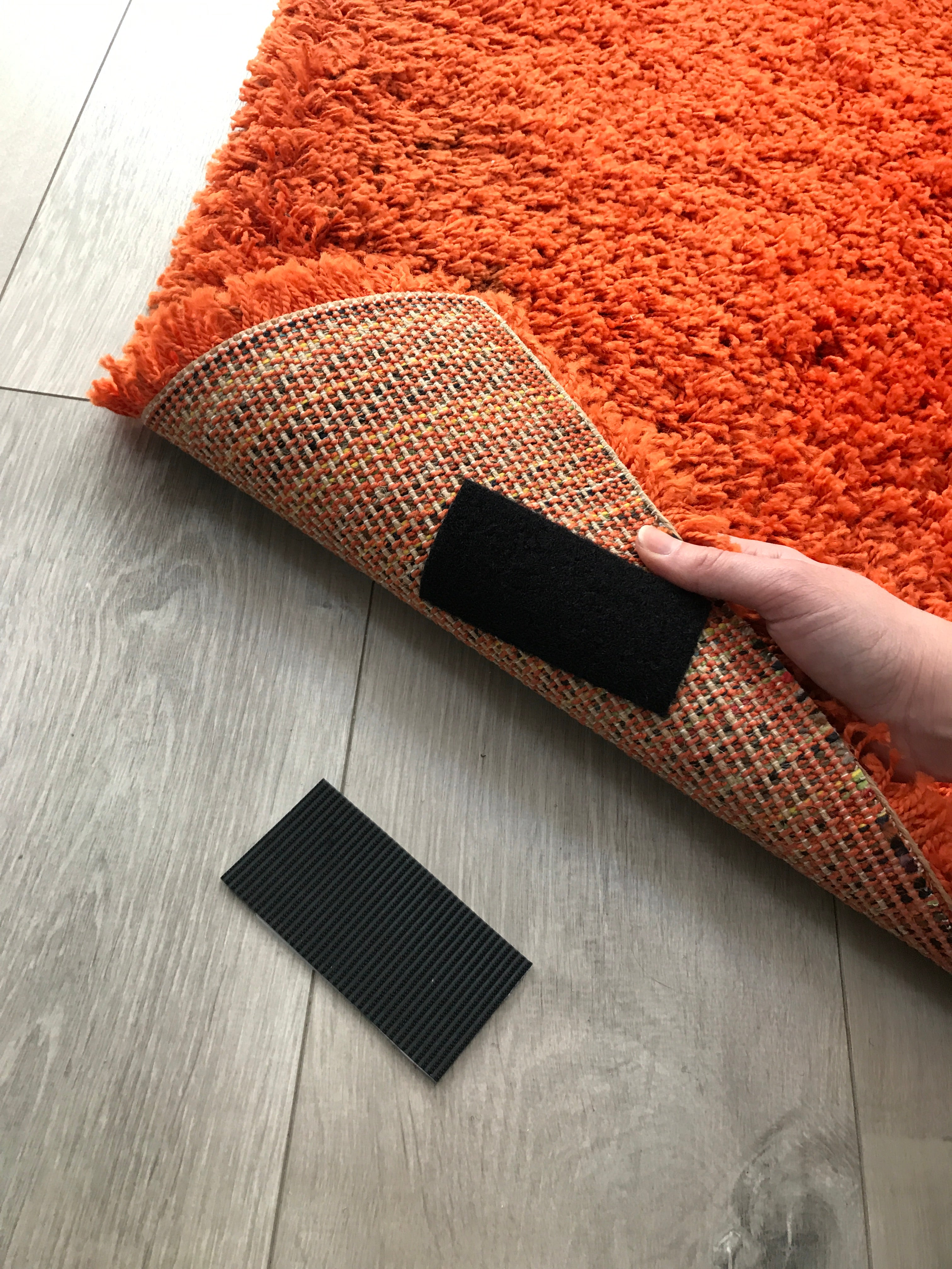 VELCRO® Brand Hack - Stop Rugs Slipping