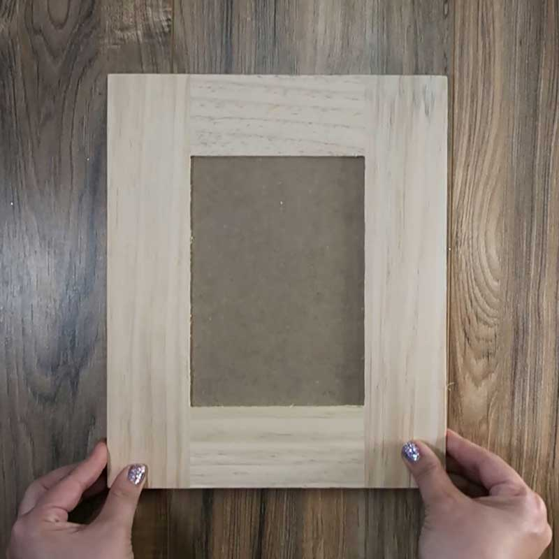 Upcycling an Old Picture Frame