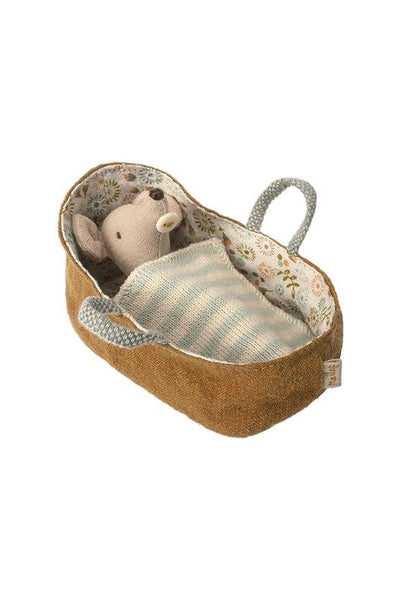 Maileg Baby Mouse in Carrycot Couverture Rayures Bleu - Marquise de Laborde