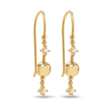 Indlæs billede til gallerivisning Venus Stars 925 sterling silver 14-karat gold plated hook earrings. The Venus Stars consist of two bright sparkling zirconia stars circling a great golden sphere. Ear rings from the Kinz Kanaan Rhytm collection.