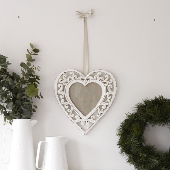 Retreat - Filigre Large Heart Hanging Photo Frame - 10aw102