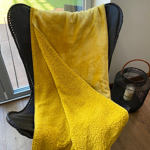 Cosy Super soft Fleece throw - Mustard