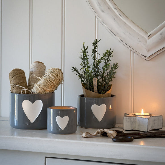 Retreat - Grey Ceramic Pots with White Heart | 16SS258