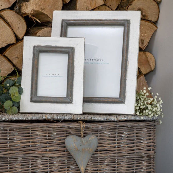 Retreat - 6x4 White with Grey Trim Photo Frame