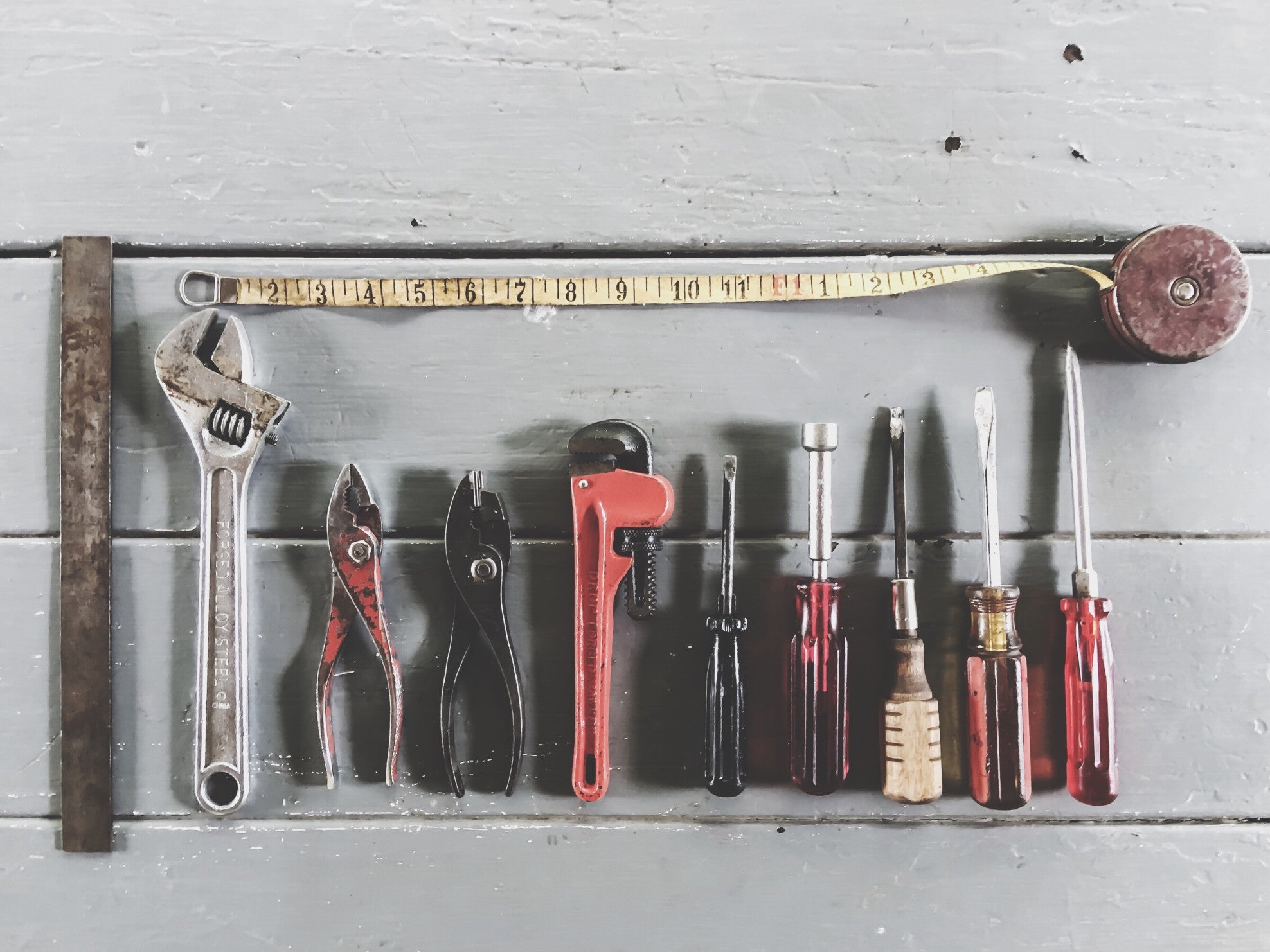 5 Must-have Tools: How to Do-it-yourself at Home