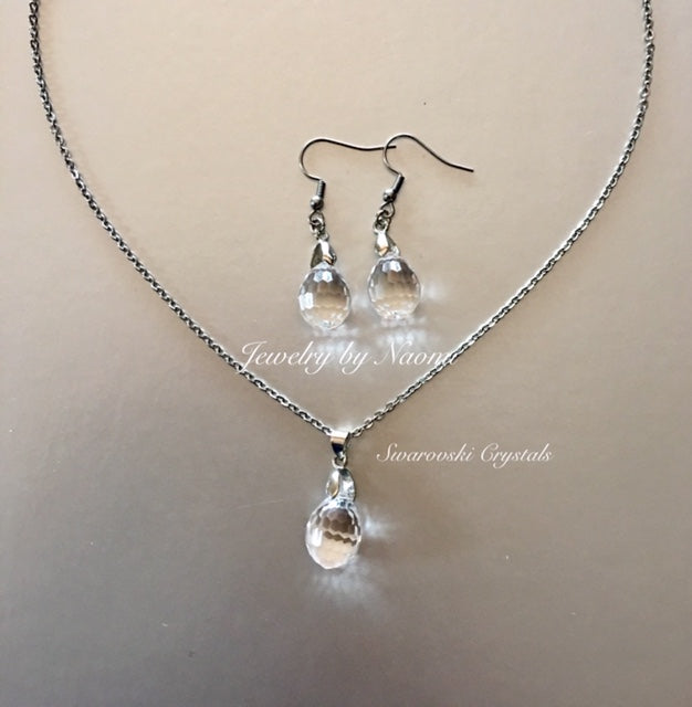 NECKLACE AND EARRINGS MADE WITH SWAROVSKI® CRYSTAL 6002