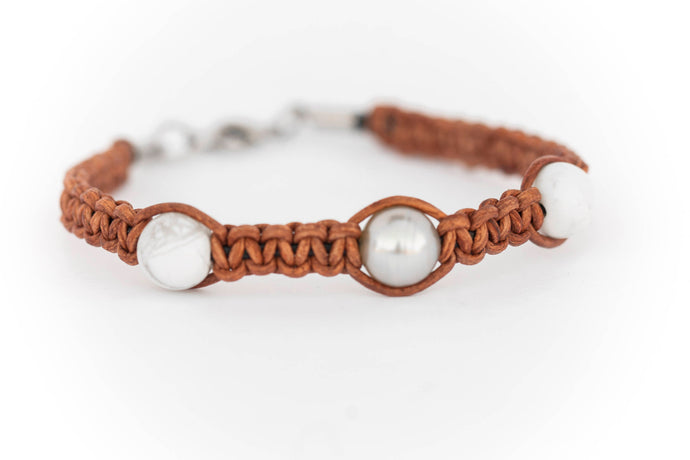 Black Tahitian Pearl Light Brown Leather Bracelet