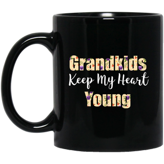 Colorful Grandkids Keep My Heart Young Mugs