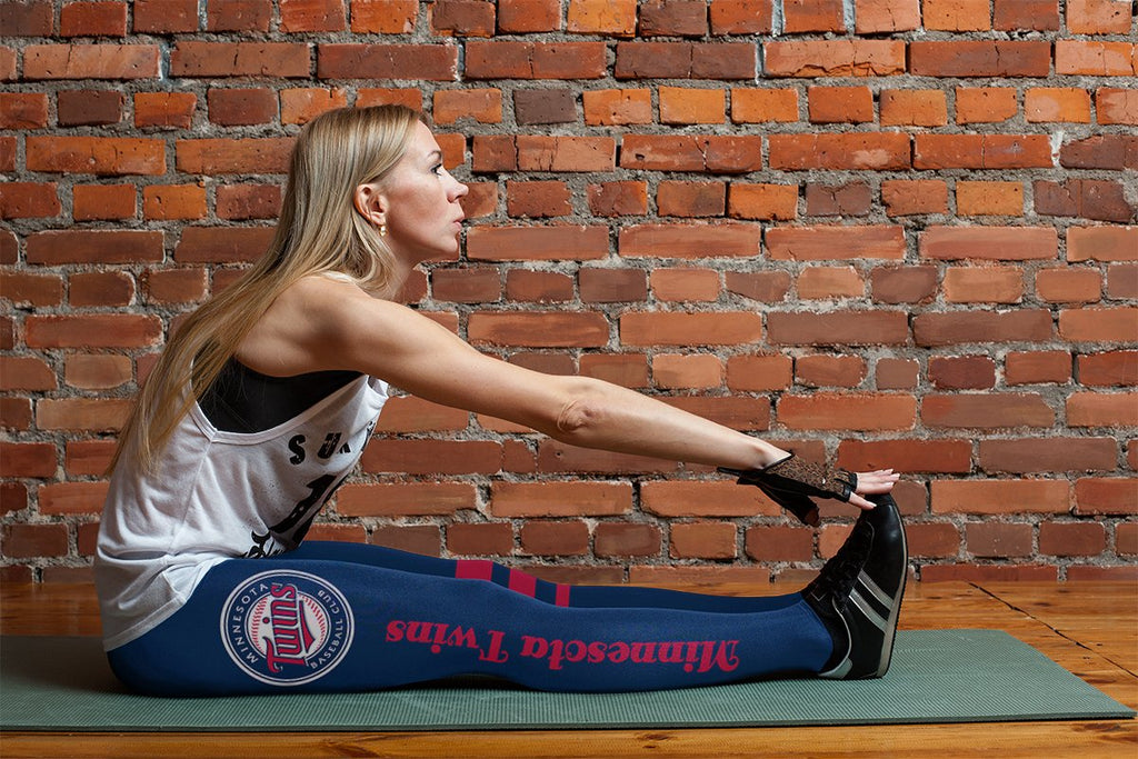 Through Logo Spread Body Striped Circle Minnesota Twins Leggings