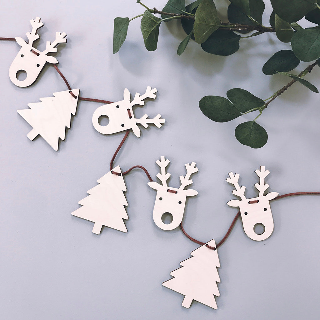 Tree and Reindeer Garland
