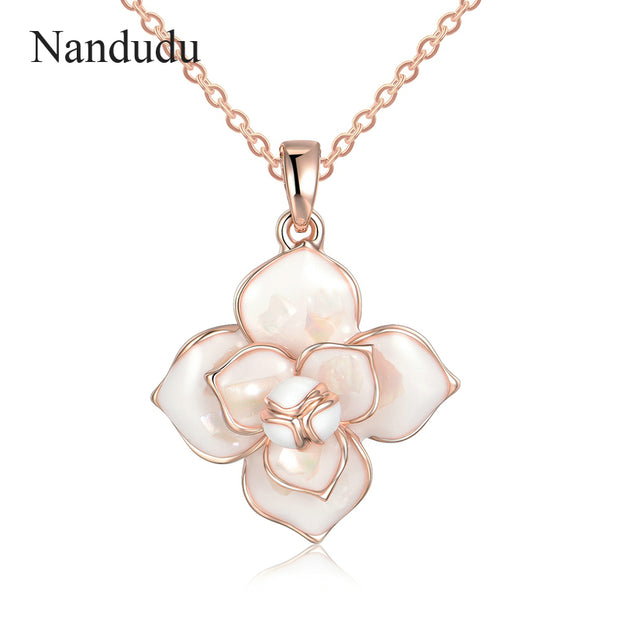 Nandudu New Arrival Blooming Flower Pendant Necklace Women Girl