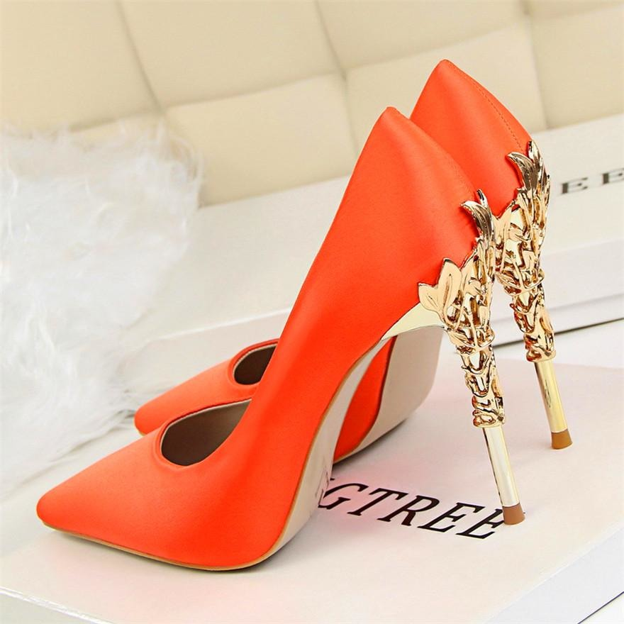 Women Elegant Metal Carved Heels Solid Silk Pointed Toe High Heels Shoes