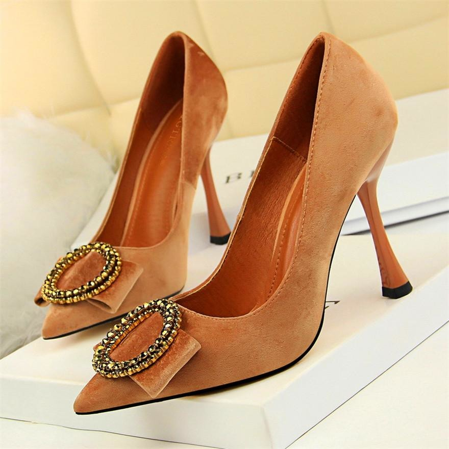 Women Round Crystal Buckle Shoes - FashionzR4U